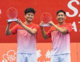 雙打冠軍:謝政鵬(左)、楊宗樺(右)