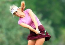 佩姬的高爾夫揮桿圓心報導(5)Paige Spiranac`s Swing Rotation Center Shifting (5)