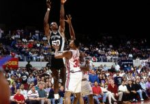 歷史上的今天:David Robinson 的 71 分 (1994/04/24)