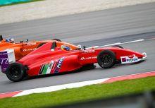 令人哭笑不得的結果,東南亞F4雪邦站沒有車手完賽!