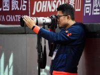 完美一瞬、享受過程 ─ 職棒攝影職人戴嗣松