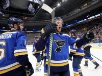 〈NHL 季後賽〉東西區聯盟冠軍出爐,棕熊、藍調進軍史坦利盃決賽