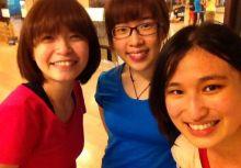 與姊妹一起的adi-dance