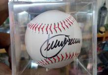 意外中的意外-Julio Franco 親筆簽名球