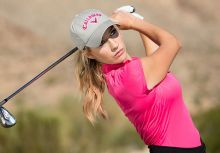 佩姬的高爾夫揮桿圓心報導(3)Paige Spiranac`s Swing Rotation Center Shifting (3)