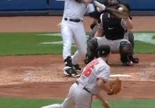 【棒球】轟炸外野 本季首勝