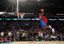 魔獸Howard化身超人 2008灌籃大賽一飛衝天!