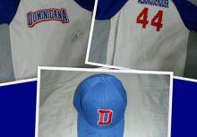 第一屆亞洲棒球冬季聯盟 多明尼加代表隊總領隊Alburquerque Claudio實戰簽名球衣,實戰簽名球帽
