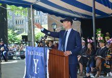 Theo Epstein於母校Yale畢業致詞:永遠選擇抬起你的頭