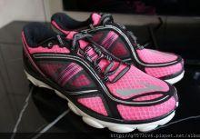 【鞋測】顛覆跑鞋科技完整包覆雙腳的Brooks Pure Flow 3