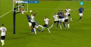 德國兩次禁區手球,裁判錯了嗎?