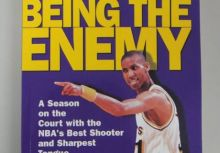 《I Love Being the Enemy》讀後感想 – 8.9 秒連得 8 分的溜馬隊神射手 Reggie Miller 的故事