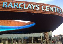 親臨Barclays Center的五四三
