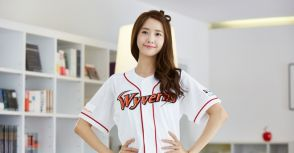 韓國職棒找亮點 戲劇女神開球潮