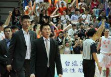 從四連霸教練前往執教中國後續 - 談台灣籃壇人才去留
