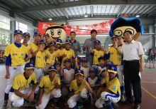 王維中、曾仁和攜手返校關懷基層棒球 傳授棒球要領給國小母校學弟妹們