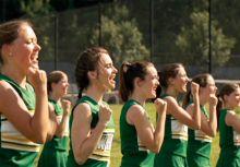 電影裡的啦啦隊:《攻其不備》的左截鋒和他的啦啦隊員