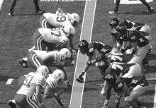 【NFL犯規、處罰與手勢】:中立區犯規(Neutral Zone Infraction)