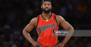 前NBA球星Baron Davis加入七六人D-League Delaware 87ers.