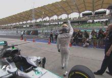 【F1】Rd.16馬來西亞站排位賽:三節最快全包,Hamilton輕鬆寫意奪竿位