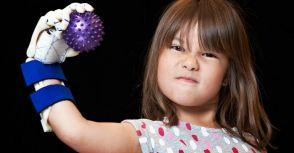「小露義手」7 歲女孩發豪語 要在所有大聯盟球場開球