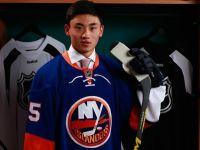 NHL 第一位華人球員,宋安東被紐約島人隊選上!
