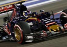 Max Verstappen:「車隊憑什麼要我讓Sainz」