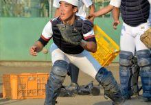 高校野球外電:我的對手是「紫外線」—三田松聖高的稻富宏樹