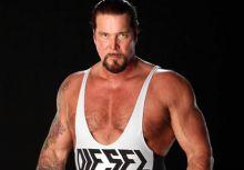 WWE巨星Kevin Nash驚爆平安夜凌晨與其子發生流血衝突