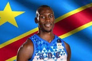 剛果民主共和國的英雄 Bismack Biyombo
