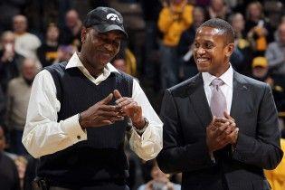 從MJ跟班戰友到知名經紀人-B.J. Armstrong